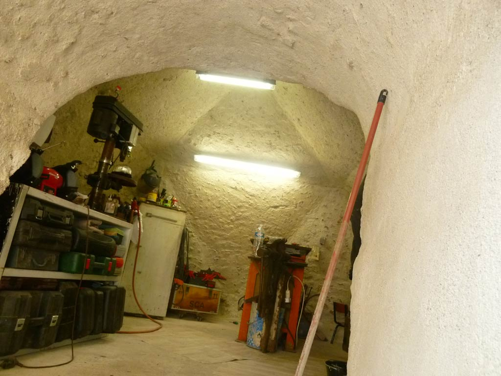 Cave dome f2 de 12m2 4